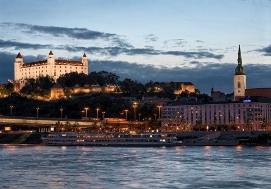 Netradiční advent ve Valtickém podzemí a Bratislava